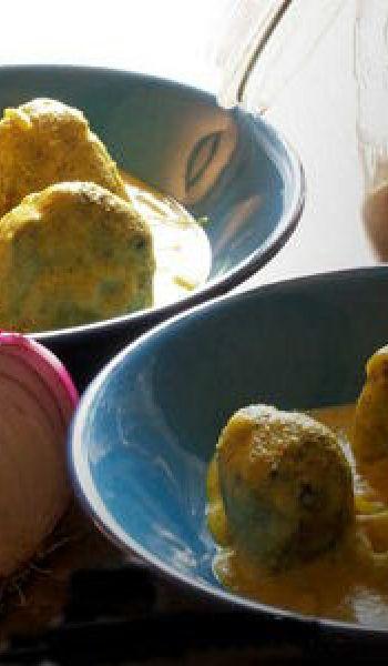 Boulettes d'épinards à la sauce yaourt
