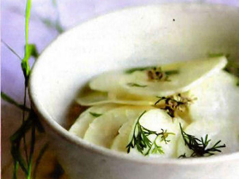 Salade de radis noir et pistaches